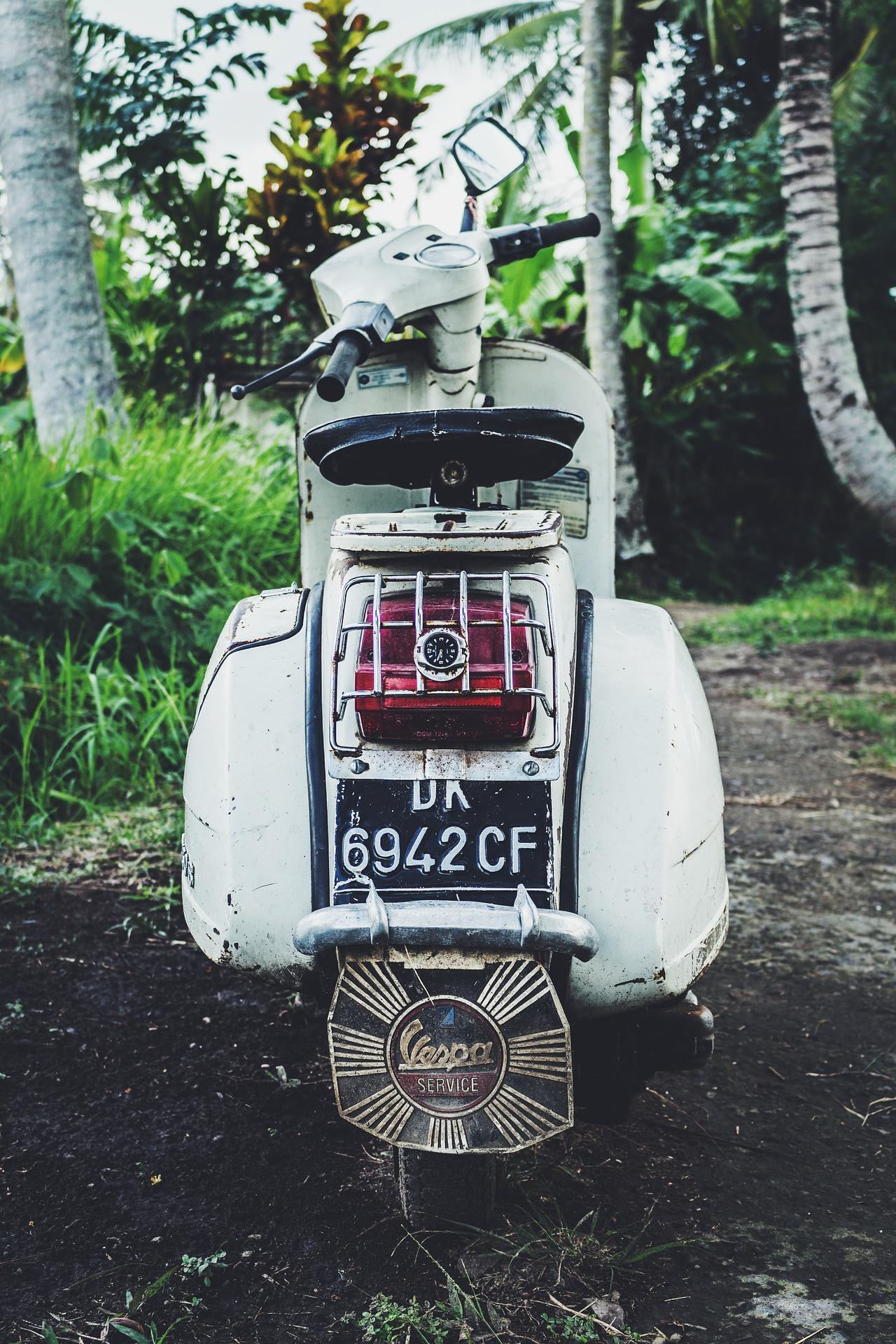 Plaque d'immatriculation moto : l'obtenir en ligne