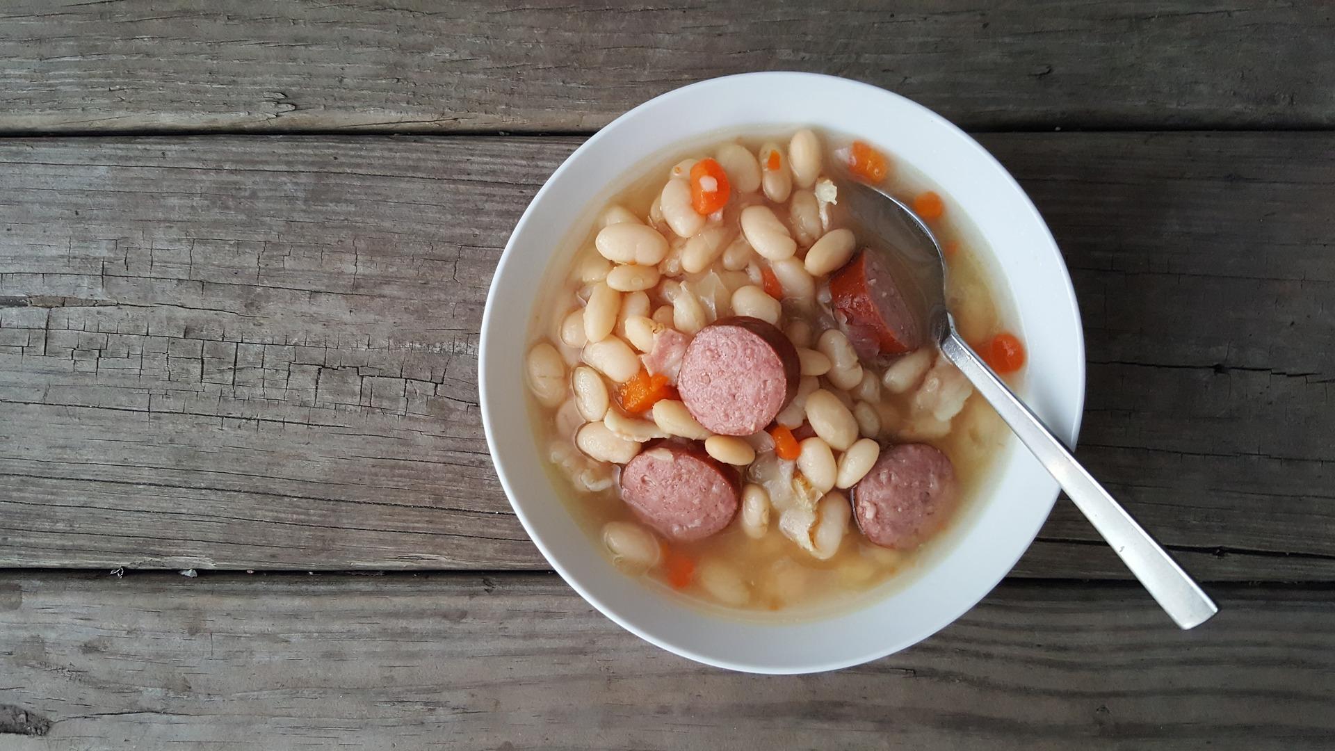 Recette du cassoulet, de la soupe à l'oignon et de la ratatouille